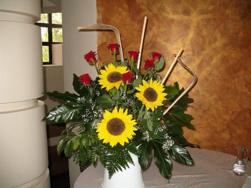 #kwiaty #bukiety #kościół #słoneczniki