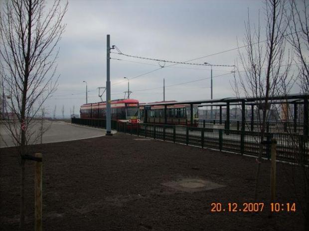 Citadis i Bombardier na pętli tramwajowej Chełm-Witosa. Citadis został chwilę wcześniej naprawiony #Chełm #Gdańsk #Citadis #Bombardier #ZKMGdańsk #tramwaj #tramwaje
