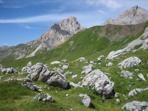 masyw Cima dell Uomo w pobliżu Fuciade #góry #Dolomity #Włochy