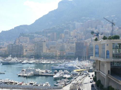 Z braku miejsca zabudowa pnie się wzwyż #MonacoIMonteCarlo