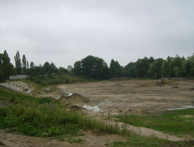 Stadion KS Orlęta w budowie.